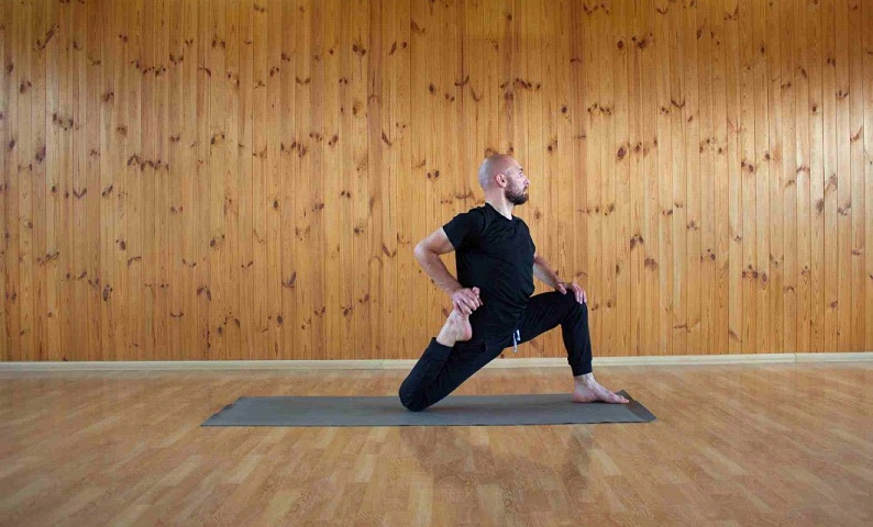 What are the alternatives for taking male yoga classes?