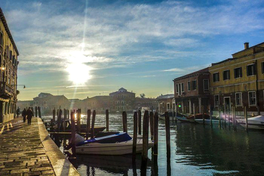 What are the different neighborhoods in Venice? | Travel Guide