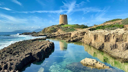 why visit Sardinia : Italy Travel Guide