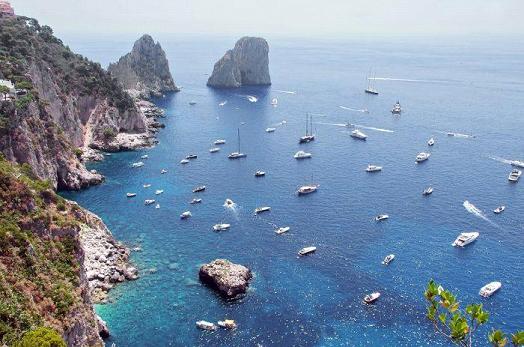 How to visit the Italian island of Capri?